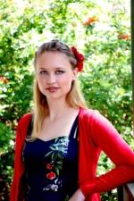 Model: Tegan Muller